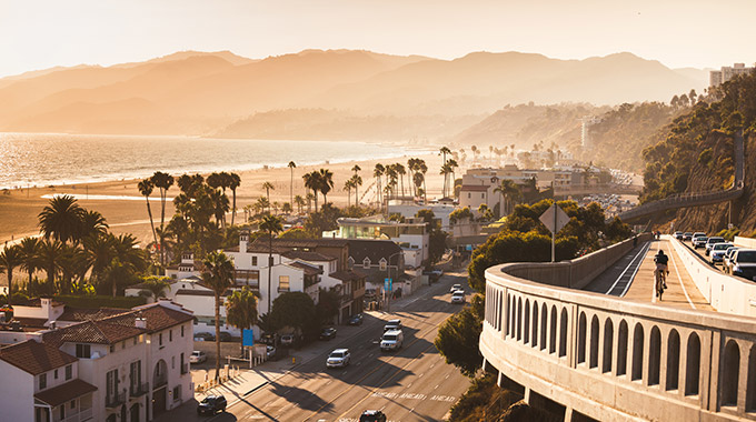 A view of the California Incline in Santa Monica around sunset